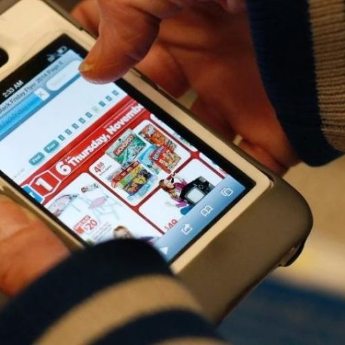 Study Reveals that Shoppers are Moving to Online Market on Large Scale